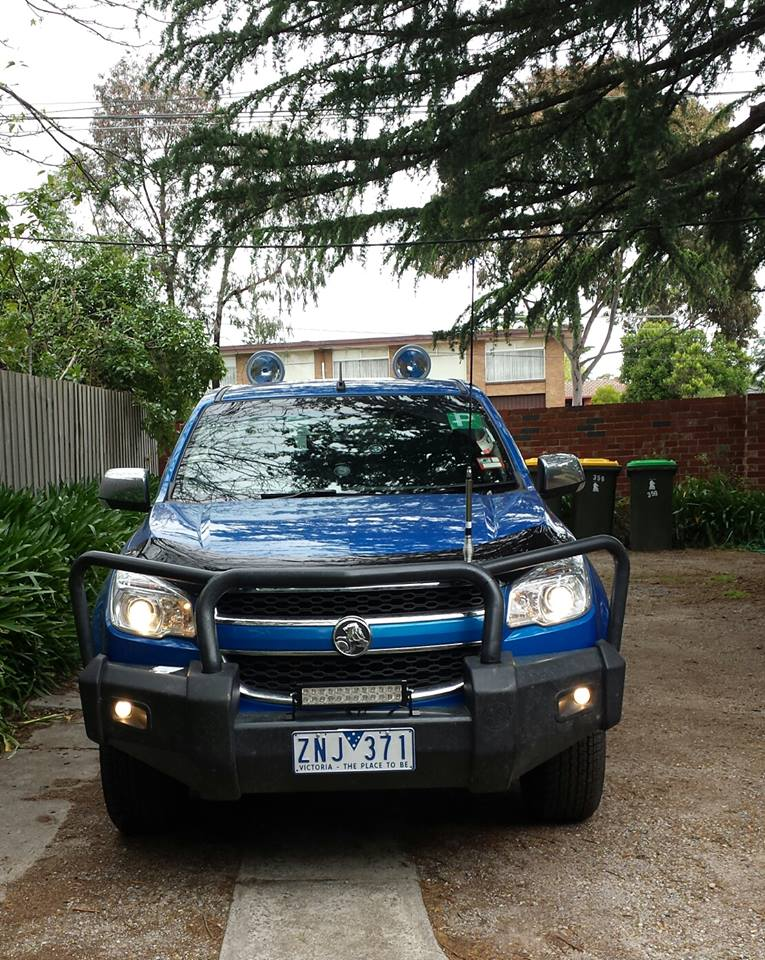 88l4 installing a genuine holden colorado rg 2013 front bull bar 4x4earth rg colorado wiring diagram at alyssarenee.co